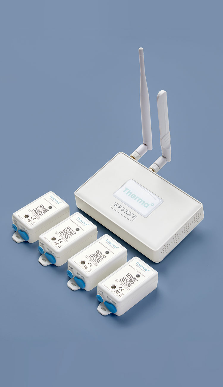 Four Therma Sensors and One Therma Hub